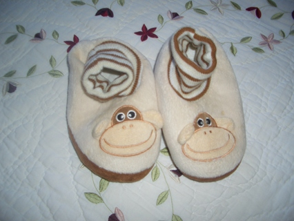 PLUSH SLIPPERS FOR TODDLER 9-10 SIZE