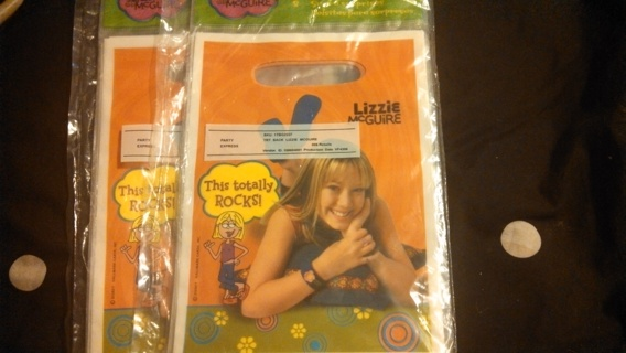 2 pack of 8 Lizzie McGuire party bags.