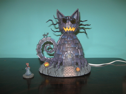 Nightmare Before Christmas Houses.Free Hawthorne Village The Nightmare Before Christmas Cat