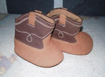 Super cute! Newborn Cowboy Boots/Shoes Size 00