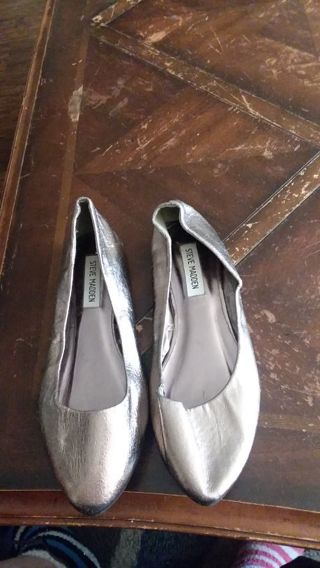 Women flats by steve madden 7.5