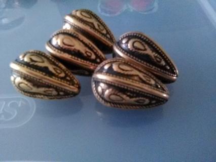 Walnut shaped Beads