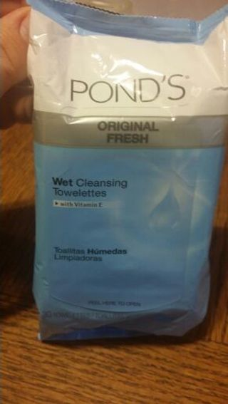 Ponds Wet Cleansing Towelettes