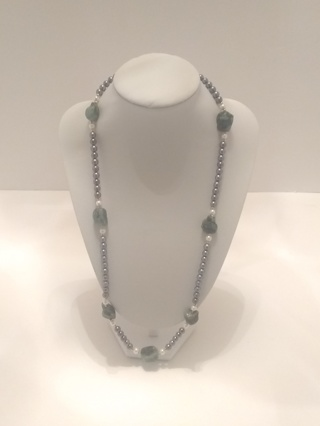 14k Vintage Estate Black/White Akoya Pearl & Emerald Nuggets Necklace
