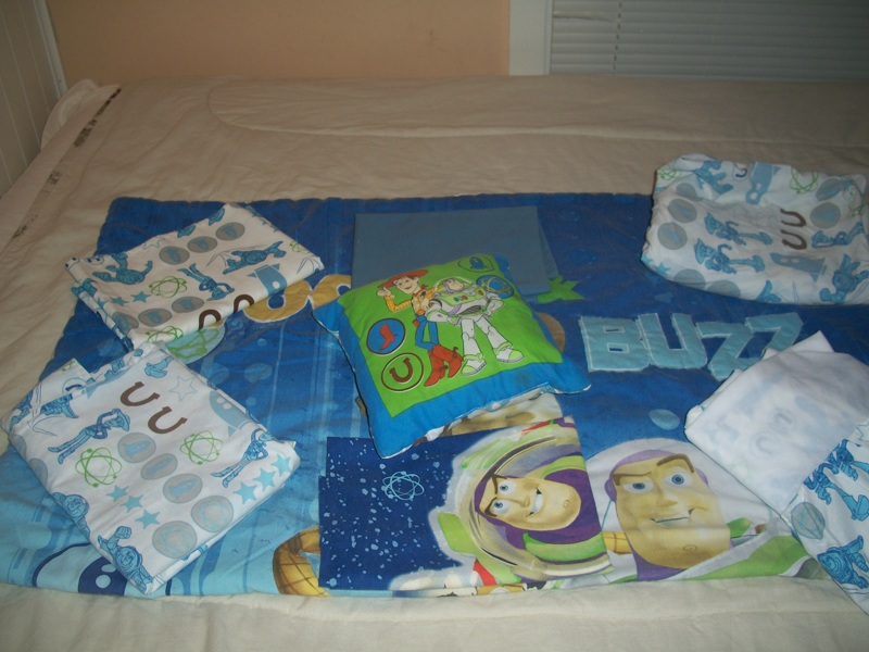 free toy story 8pcreversible toddlercrib bedding set other baby items listiacom auctions for free stuff - Toy Story Toddler Sheets