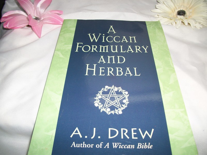 Free: ♋️ A Wiccan Formulary and Herbal •°•°• - Other Books