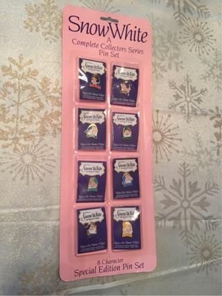 Set of 8 Snow White & the Seven Dwarfs Collectors Pins, Authentic Vintage & Unopened