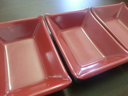 Set individual sauce dishes