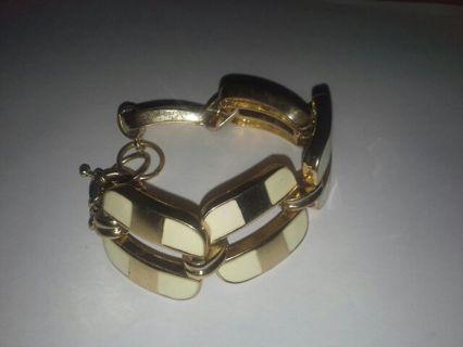 Gold & White bracelet free shipping $ cool fun sexy neat costume jewelry