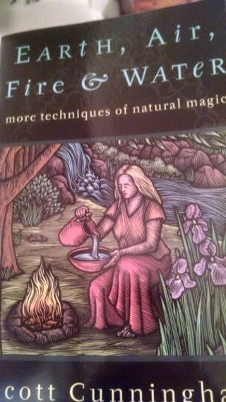 Elemental magic spells with the use of earth