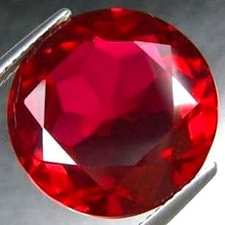 Rich Pigeon Blood Red -- Ruby -- 0.10ct