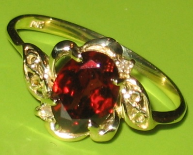 10k gold garnet ring sz7