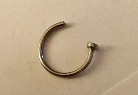 1 new nose hoop