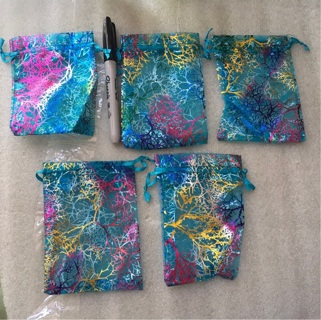 Gift pouch, jewelry pouch