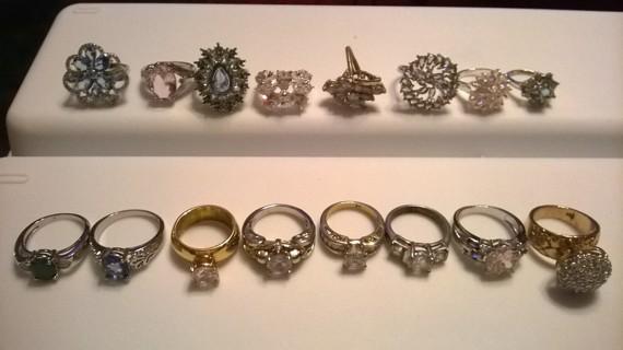 Lot of 16 Rings