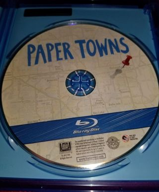 *******PAPER TOWNS BLU RAY DISC*********