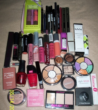 U GET EVERYTHING  ~ (42) BRAND NEW MAKEUP THIS & THAT