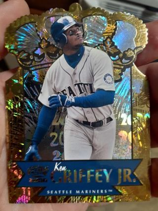 Rare 1999/2000 Pacific gold crown die cuts ken griffey jr #30. Open to fair offers.