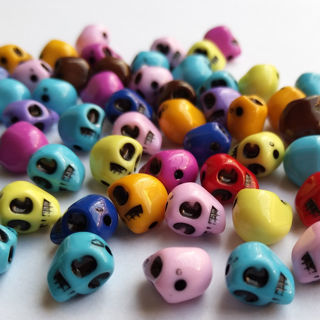 [GIN FOR FREE SHIPPING] 50PCs Skull Resin/Acrylic Beads
