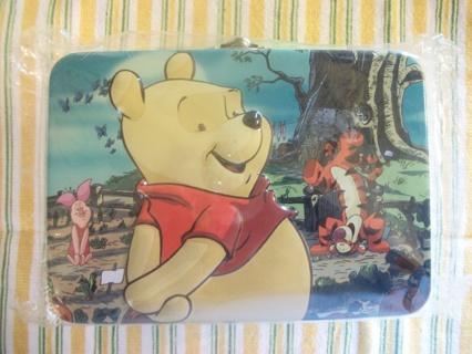 Cute Winnie The Pooh & Tigger Tin Box