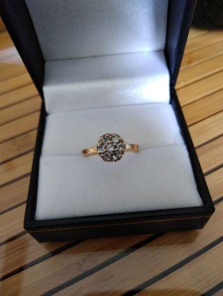 10K Flower Diamond Ring