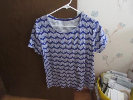 Women's St. John's Bay Blue & White Top Size XL