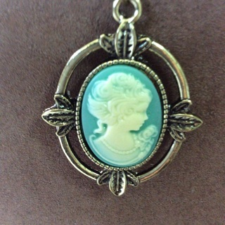 Beautiful Holiday Gift Item. Cameo Necklace .