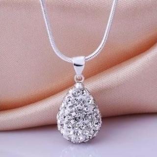Tear drop rhinestone necklace
