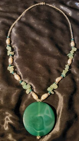 ~**Vintage Genuine Jade and Freshwater Pearl Necklace!**~