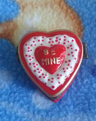 Small Heart Trinket box. Too cute!