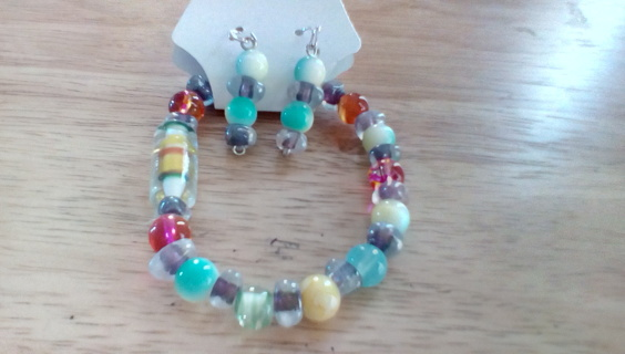 Handmade Glass Stretch Bracelet & Earring Set: New