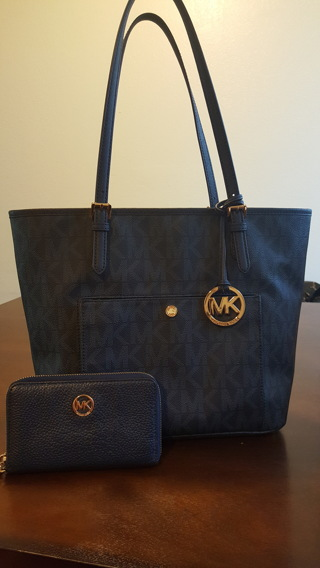Michael Kors Handbag and Wallet low gin last chance!!