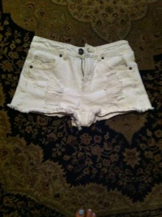 MUDD Size 3 Shorts White