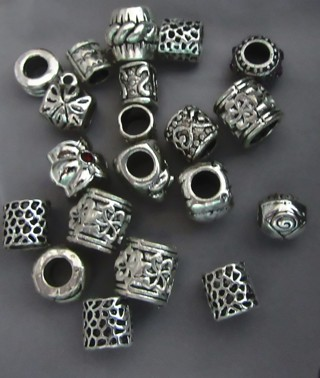 25 spacers for your bracelets