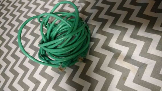 CAT 5 network cable (25ft)