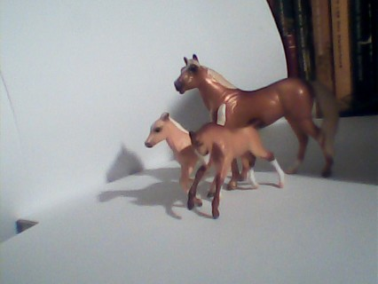 Breyer Stablemate mare and foal and orphan foal