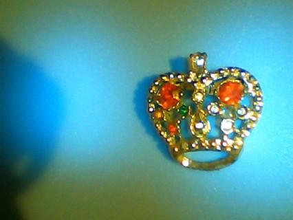 Pretty crown pin