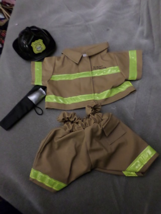6af50e8cc5b Free  Build a Bear fireman outfit complete + boots - Dolls   Stuffed ...