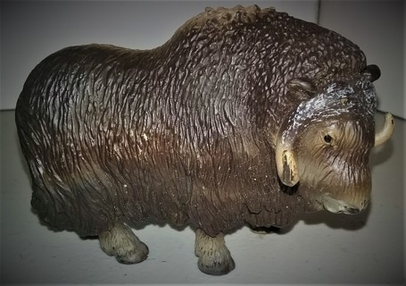 "2003 Schleich (Germany) MUSK OX - Made in Portugal - 4 1/4"" long x 1 1/2"" wide - 8 oz"