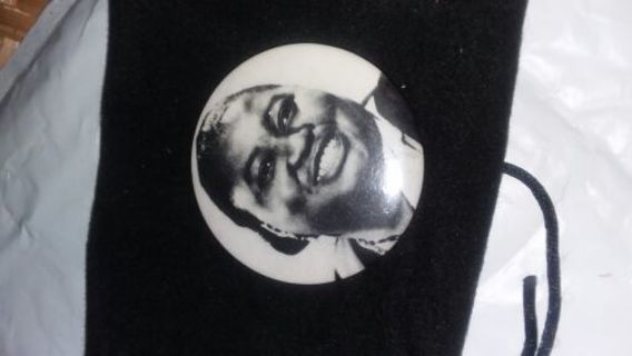 *VERY RARE LAPEL PIN* FIRST BLACK WOMAN TO WIN AN ACADEMY AWARD *Gone With The Wind*