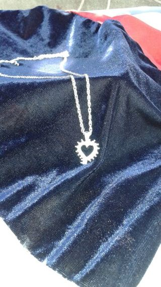 STUNNING CZ HEART PENDANT NECKLACE!! A MUST HAVE, IN TIME FOR VALENTINES DAY!
