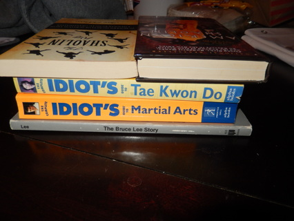 Lot of 5 Martial Arts books, 2 Shaolin Kung Fu, 1 Bruce Lee, 1 Tae Kwon Do and 1 Martial Arts Idiots