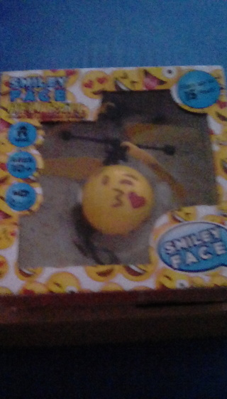 NEW SEALED IN BOX SMILEY FACE HELI BALL