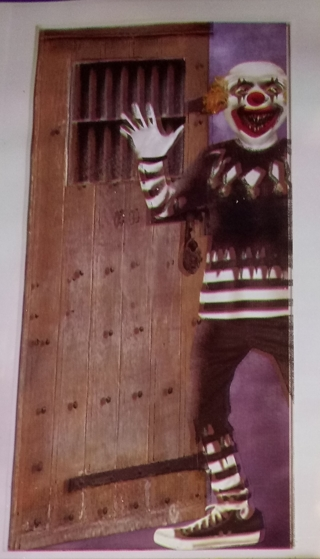 HALLOWEEN DOOR COVER EVIL CLOWN USE YOUR OWN TAPE TO SECURE TO DOOR 30 INCHES X 72 INCHES