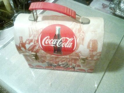 COCA COLA MINIATURE LUNCH BOX..FOR THE COLLECTOR. DON'S DAILY DEAL