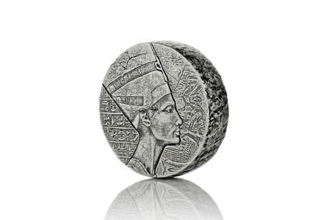 2017 5 oz Republic of Chad Egyptian Relic Series Queen Nefertiti Silver Coin (BU)