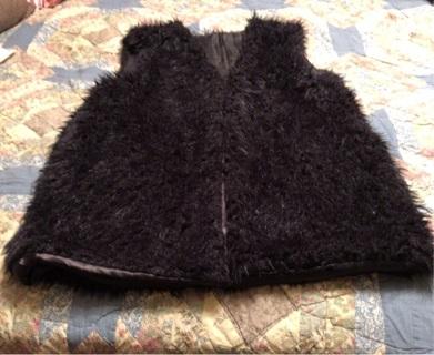 New - No Name Brand Fuzzy Vest