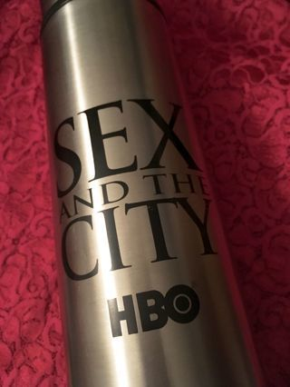 1 Sex & The City Vacuum Seal Bottle Stainless Steal Thermos 32 oz