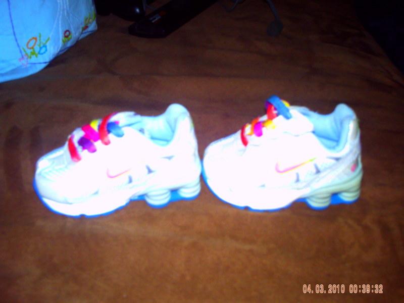 a8ad2e0c5e69a8 Free  Baby Girl Size 2 Nike Shox