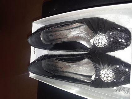 Ladies 10WW dress shoes